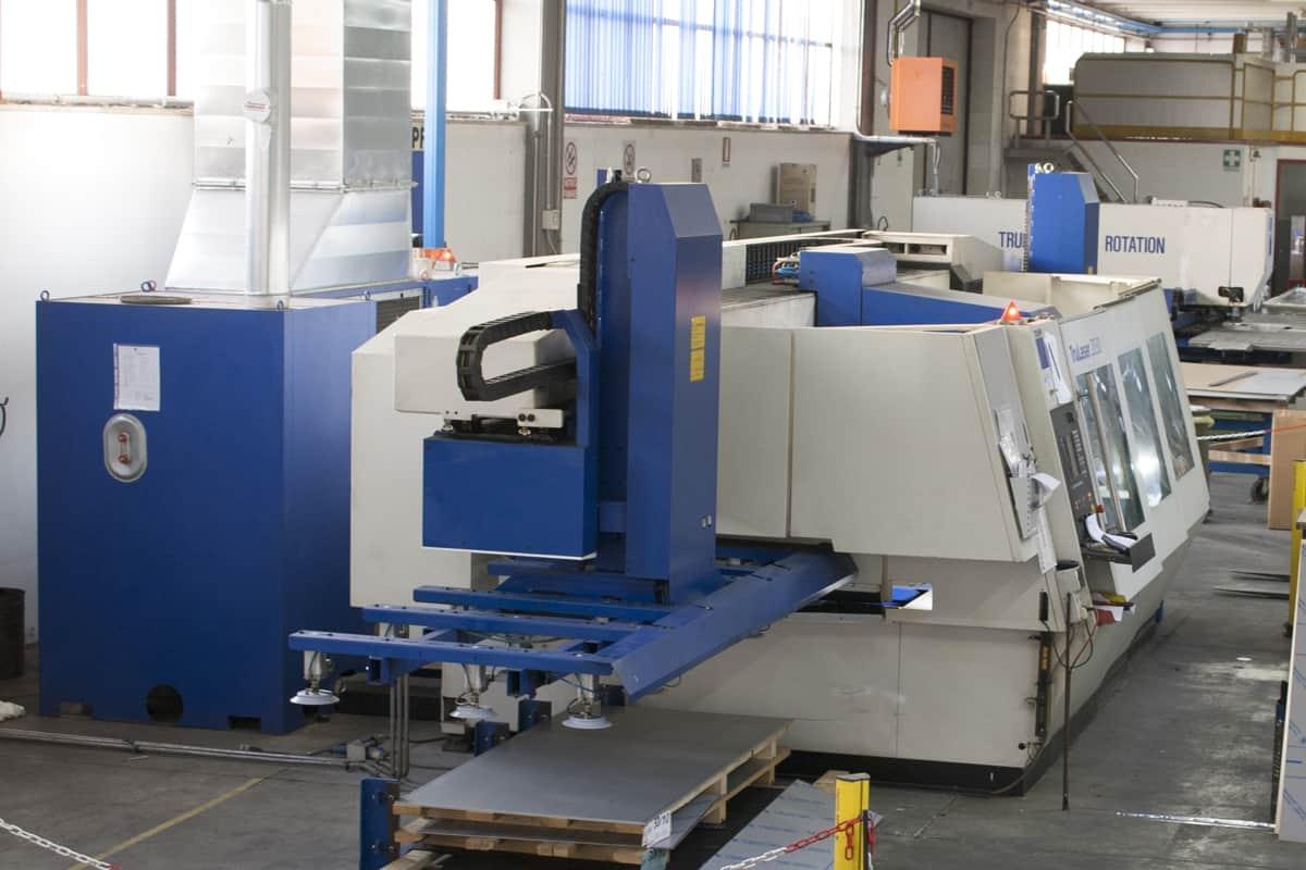 macchina per taglio laser
